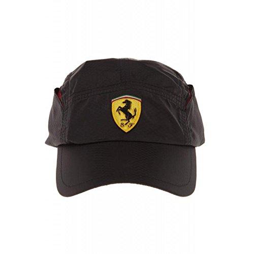 Gorra Ferrari negra ventilación