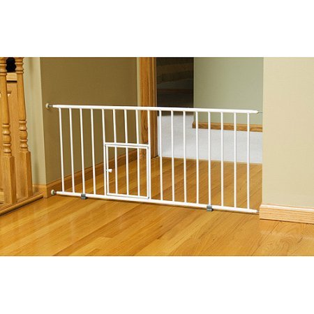 "18"" high Carlson Mini Gate with Durable Metal Construction Pet Door, For Small Fog Breeds and Puppies, Expands from 29"" to 38"""