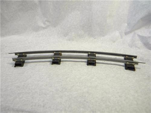 american-flyer-702-s-gauge-curve-track-section-with-pins