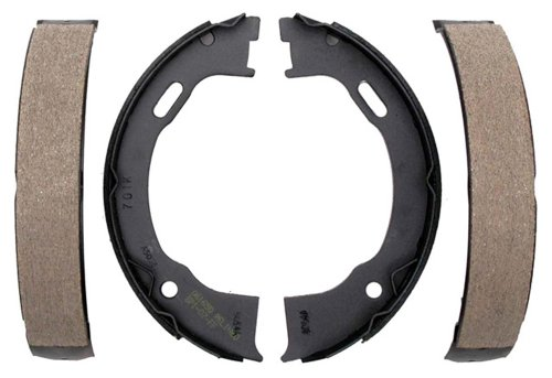 (Raybestos 701PG Professional Grade Parking Brake Shoe Set - Drum in Hat )