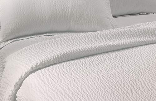 Courtyard by Marriott Textured Coverlet - Lightweight Coverlet with Wash-Activated Ripple Texture Exclusively for Courtyard - White - King (Sheets Bed Seersucker)