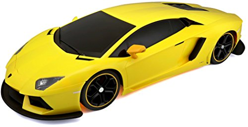 Maisto R/C 1:10 Scale Lamborghini Aventador LP 700-4 Radio Control Vehicle (Colors May Vary)