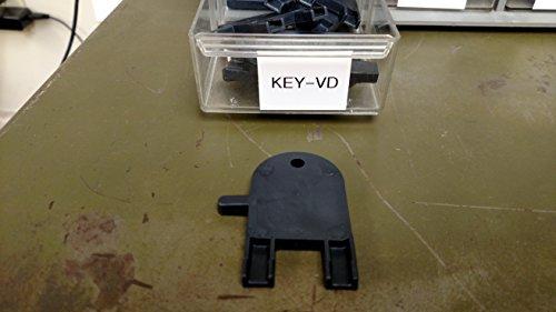 Center Pull Dispenser Plastic Key