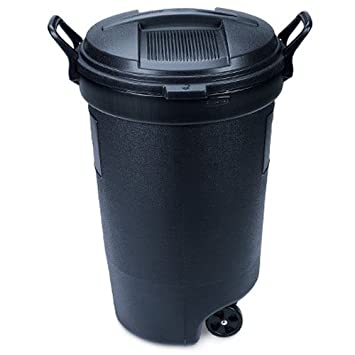 rubbermaid rm133901 thirty two gallon black wheeled trash can with lid32 gallon1211