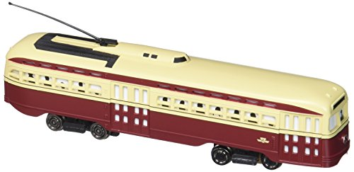 Bachmann PCC Street Car Toronto Transit with Die-Cast Power Truck HO Scale