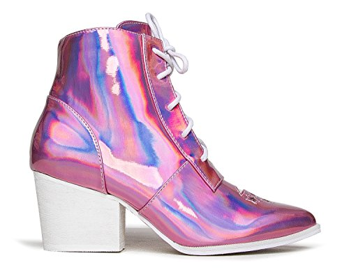 Looking for a yru boots for women? Have a look at this 2019 guide!