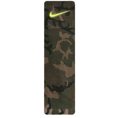 Nike Amplified Camo Football Towel - Iguana/Black