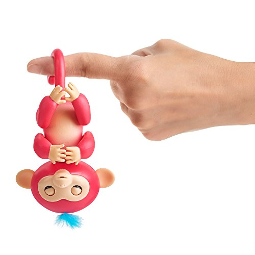 Fingerlings – Jungle Gym Playset + Interactive Baby Monkey Aimee (Coral Pink with Blue Hair)