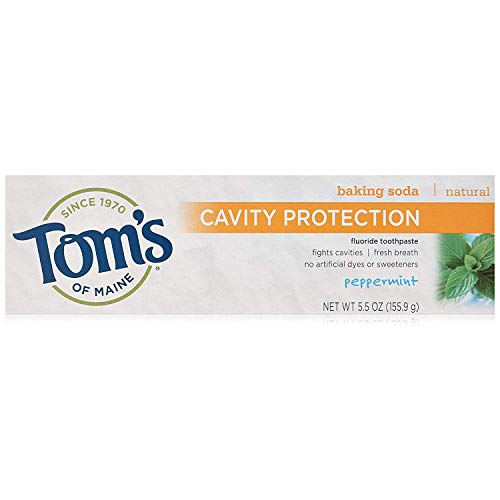 (Tom's of Maine Cavity Protection with Baking Soda Natural FluorideToothpaste, Peppermint 5.5 oz (Pack of 3))
