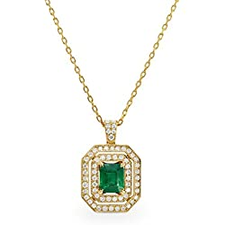 1.04Cts Emerald Gemstone Side Diamonds Necklace Set in 18K Yellow Gold