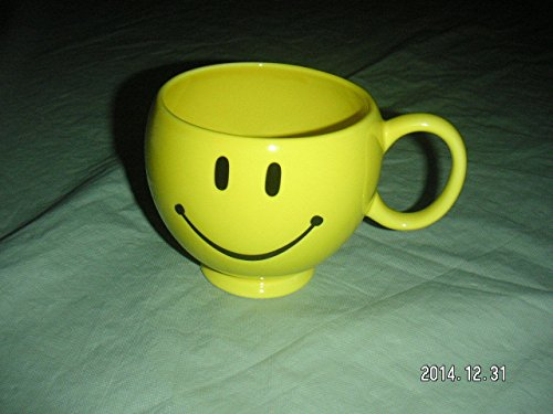 yellow-happy-face-coffee-mug