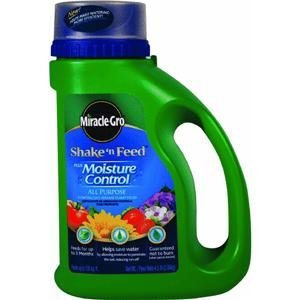 Scotts Company 100846 Miracle Gro Shake N Feed Moisture Control Plant Food, 4.5-Pound