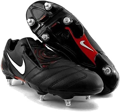 chaussure crampons foot homme nike