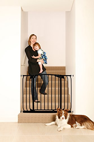 Dreambaby Chelsea Extra Wide Auto Close Security Gate in Black by Dreambaby (Image #3)