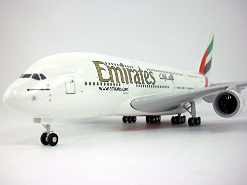 (Airbus A380 (A380-800, A-380) Emirates 1/200 Scale Model Airplane)