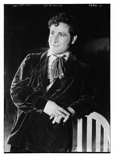 Photo: Giacomo Lauri Volpi,Allegna Italian tenor,performances,costume,Bain News Service (Volpes Online)