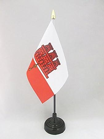 Black plast GIBRALTARIAN DESK FLAG 21 x 14 cm GIBRALTAR TABLE FLAG 5/'/' x 8/'/'