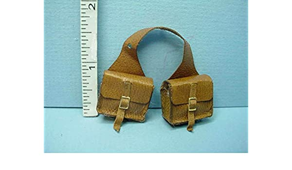 Miniature Prestige Leather Saddle Bags DOLLHOUSE Miniatures 1:12 NEW//BROWN