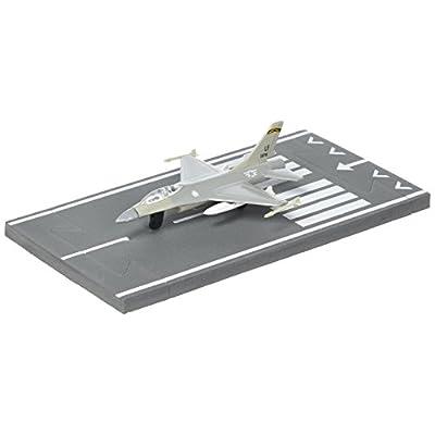 Daron Worldwide Trading Runway24 F-16 Military Vehicle: Toys & Games