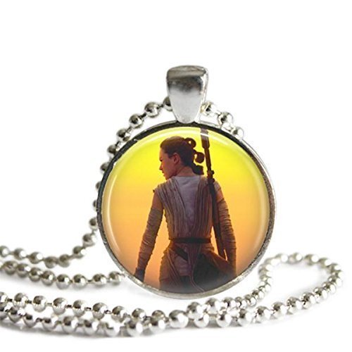 Star Wars VII The Force Awakens Rey 1 Inch Silver Plated Picture Pendant 24 Inch Necklace