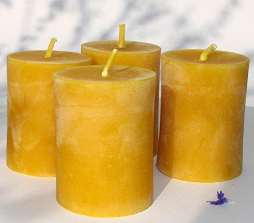 4 kleine Stumpen Kerzen Höhe 6 cm, Durchmesser 4,5 cm. BIO BIENENWACHS KERZEN aus 100% BIO Imkerwachs - Kerzen aus der Schwarzwälder Kerzenmanufaktur