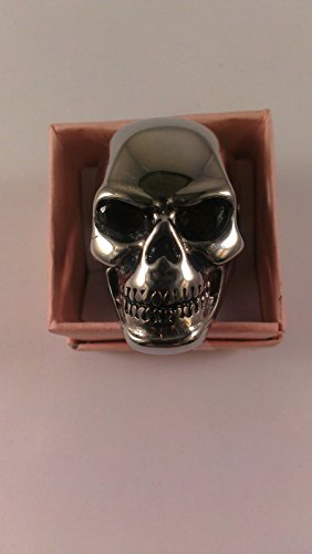 (Skull Biker Ring set with 2.8 CTW Garnet Eyes, Case and Certificate)