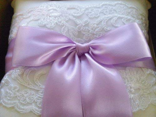 RaeBella Weddings & Events New York Beverly Clark White Lace Ring Pillow with Satin Lavender Ribbon 223B ()