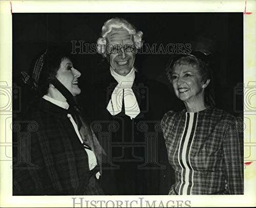 Vintage Photos 1988 Press Photo Alistair Donkin with Mary Metz and Jacqueline Brodeur, Texas.
