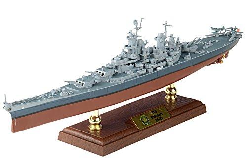 1:700 Scale USS Missouri - Model Battleship