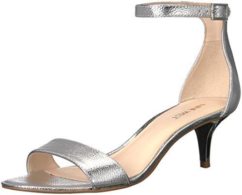 Nine West Leisa metálico de la mujer Heeled Sandal Plateado