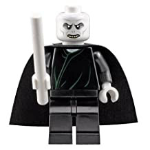 Lord Voldemort with White Wand - LEGO Harry Potter Minifigure 2010 (Approximately 2 Inches Tall)
