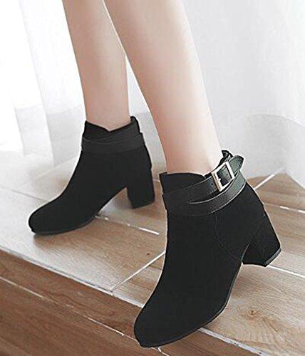 Idifu Kvinna Klassiska Spänne Faux Mocka Rund Tå Mitten Chunky Klackar Korta Boots Svart