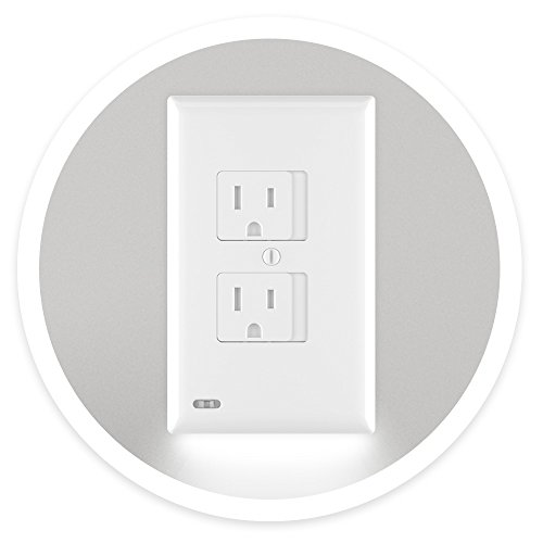 (SnapPower SafeLight - Child And Baby Safety Power Outlet Wall Cover With LED Night Light - No Batteries Or Wires - Installs In Seconds - (Duplex, White) (1 Pack))