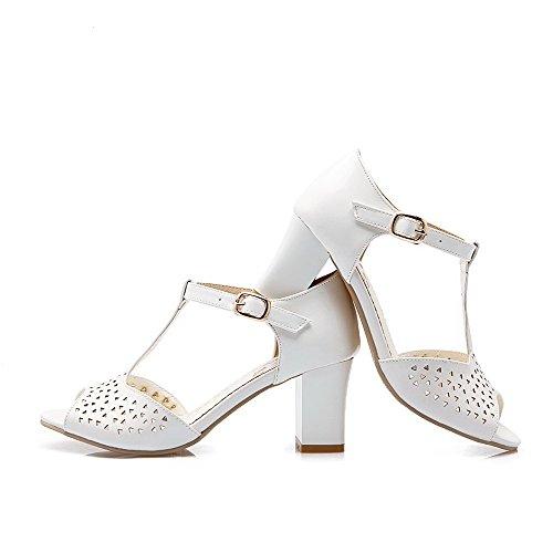 AllhqFashion Women's PU Kitten-Heels Open Toe Solid Buckle Sandals White aynaTA