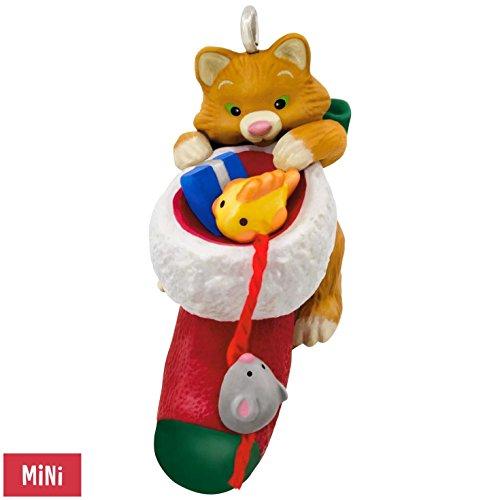 New Hallmark Ornament (Hallmark Keepsake 2017 Cute Little Kitten Mini Christmas Ornament)