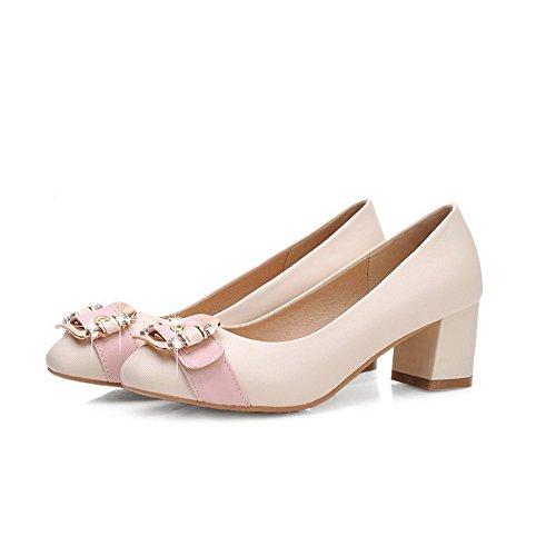 AllhqFashion Damen PU Leder Mittler Absatz Quadratisch Zehe Ziehen auf Pumps Schuhe Cremefarben