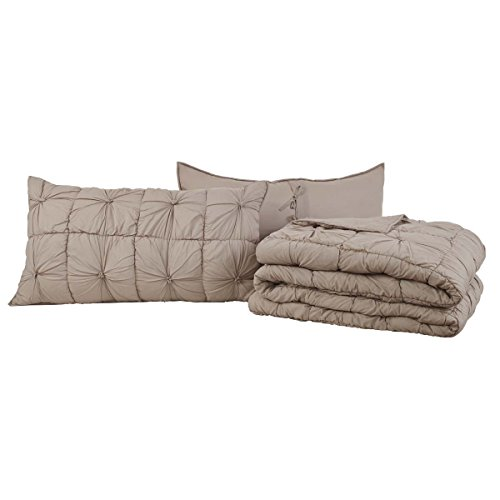 Teton Pines Bedroom - VHC Brands Camille Taupe King Set; Quilt 95x105-2 Shams 21x37