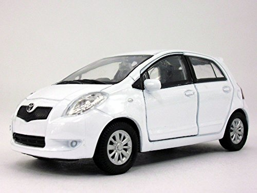 Price comparison product image 4.25 inch Toyota Yaris - 1 / 34 to 1 / 39 Scale - Diecast Model by Welly - WHITE