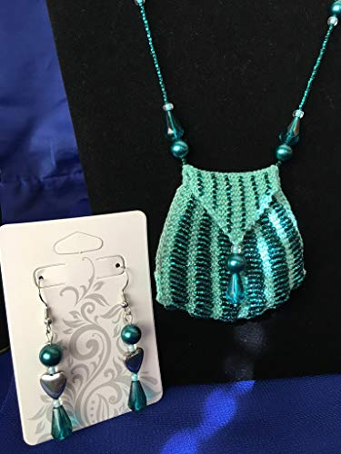 Teal Hearts Hand Knit Beaded Amulet Bag Necklace and Earrings set, with gift tin ()