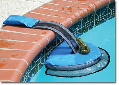 Swimline 70200SL FrogLog Critter Saving Escape Ramp