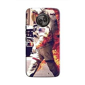 Cover It Up - Burning Astronaut Moto X4 Hard case