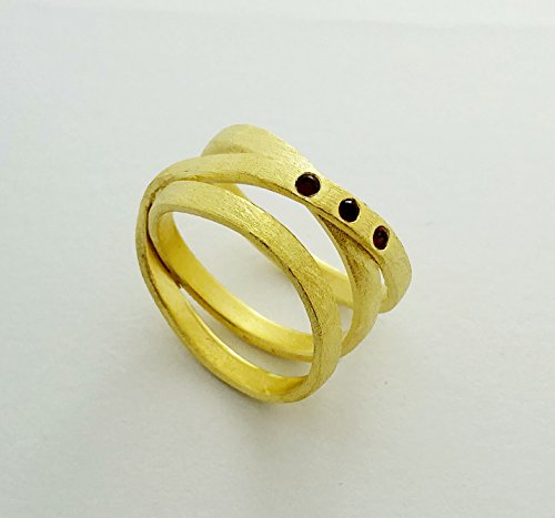 Special handmade Goldfilled ring, statement ring inlay with 3 red (Garnet Inlay)