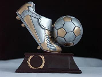 Wipo Fussball Figur Pokal Amazon De Sport Freizeit