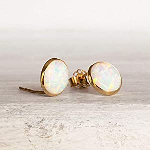 world-of-handmade-gifts-4k-gold-stud-earrings-with-white-opal-8mm-gemstone