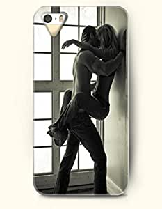 OOFIT Phone Case for Apple iPhone 4/4S -- Naked Lovers Kiss -- Lovers Kiss