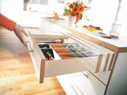 "Blum Tandem Premium Undermount Slides With Integrated Soft Close Full Extension For 15"" Drawers 110# Class - 1 set for 1 drawer"