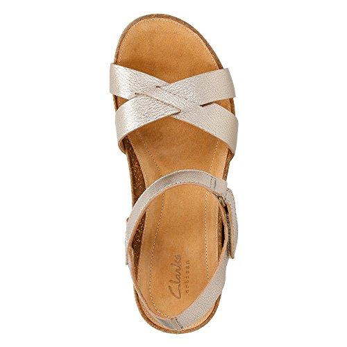Clarks Temira compás de la cuña de la sandalia Gold Metallic Leather