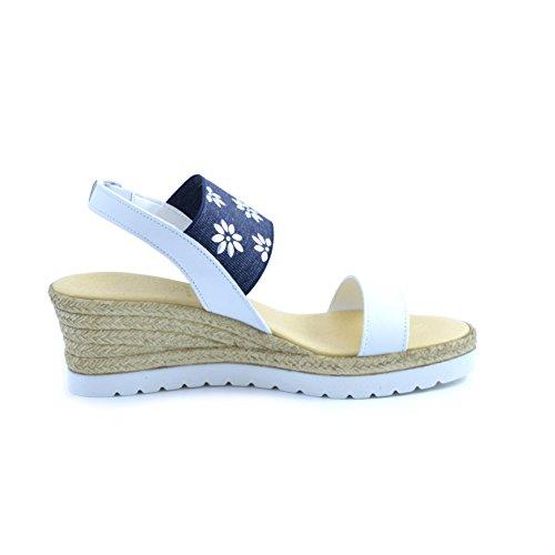 """Sandali donna """"Il Ciabattino Del Borgo"""" in pelle bianca con fascia elastica blu jeans con fiori applicati PRODOTTO ARTIGIANALE MADE IN ITALY."""