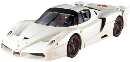 te Edition White 1/18 Diecast Model Car by Hotwheels (Ferrari Enzo Fxx)