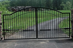 - Mighty Mule Driveway Gate - Double Gate, Biscayne, 16ft.W x 6ft.H, Model# G2716-KIT by Mighty Mule